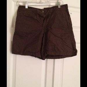 Old Navy Pants - Old Navy Just Below The Waist Khaki Shorts Size 8