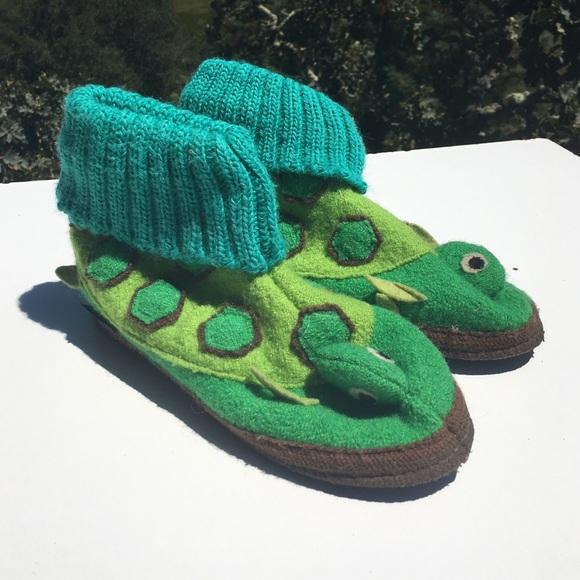 bd244b7603a Garnet Hill Other - Garnet Hill Children s Wool Turtle Slippers 3