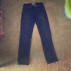 "BARELY WORN Madewell 9"" Crop Skinny Jean"