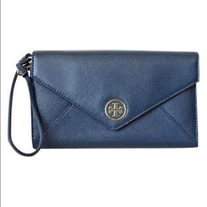 Tory Burch Handbags - Tory Burch Hudson Robinson Clutch