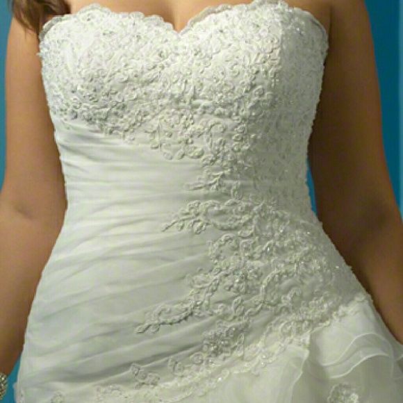 36 off alfred angelo dresses skirts plus size wedding for How to ship a wedding dress usps