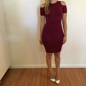 Dresses & Skirts - Burgundy Cold Shoulder Bodycon Dress
