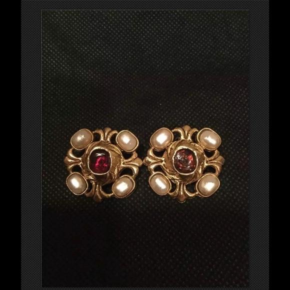 Chanel Clip On Vintage Earrings 1971-1980