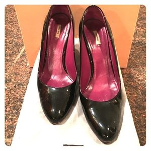 Black patent leather Miu Miu pumps