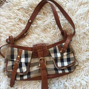 Burberry Handbags - NWOT limited edition Burberry bag