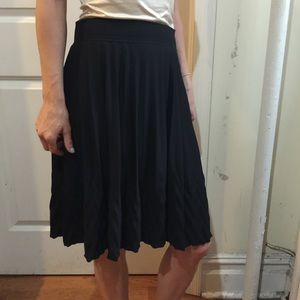 Anna Sui Dresses & Skirts - NWT Anna Sui Black Pleated Skirt