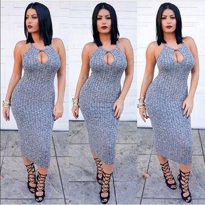 Dresses & Skirts - Celebrity famous grey ribbed midi dress