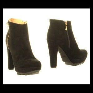 8ef02859028 CESARE PACIOTTI Shoes - 4US CESARE PACIOTTI WOMEN'S SUEDE ANKLE BOOT