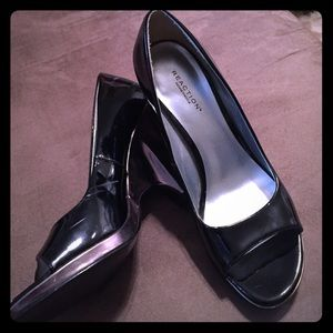 Kenneth Cole Reaction Shoes - Kenneth Cole Reaction Patent Wedges Champagne Heel