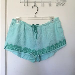 New mint embroidered shorts