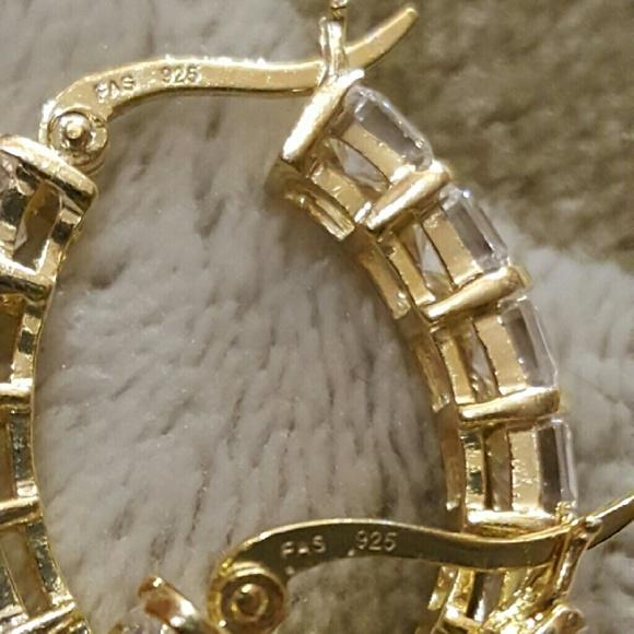 Jtv Necklaces: JTV ~Goldtone Leverback Hoops With