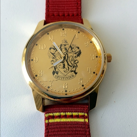 harry potter authentic 2016 harry potter gryffindor watch from posh mentor 39 s closet on. Black Bedroom Furniture Sets. Home Design Ideas