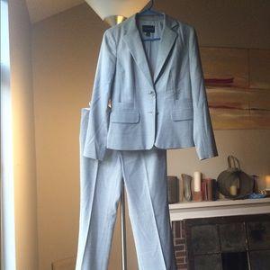 Banana Republic Other - Banana Republic gray wool suit w/ pants