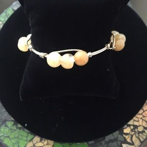 Jewelry - 🌹SALE Gold and Bead Bracelet