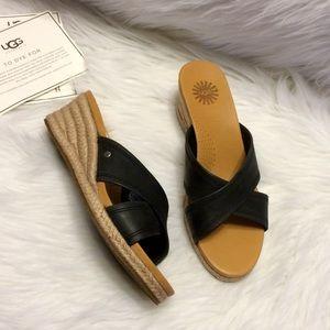 UGG Gwyn Leather Sandals