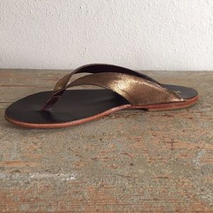Matt Bernson Shoes - ✨Matt Bernson NWT bronze sandals