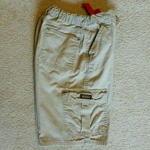 Wrangler Other - Wrangler cargo shorts in khaki