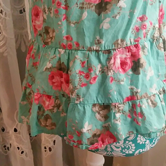 Mossimo Supply Co. Tops - Floral Shabby Chic Tank Top