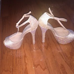 34eb9fada4a Steve Madden Shoes - Steve Madden Angylna 1 champagne pumps