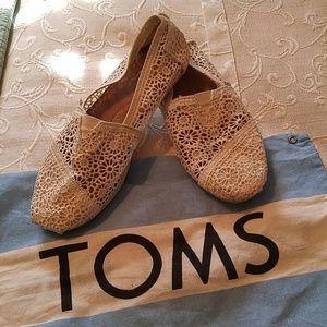 Toms Natural Morroccan Crochet flats - size 7