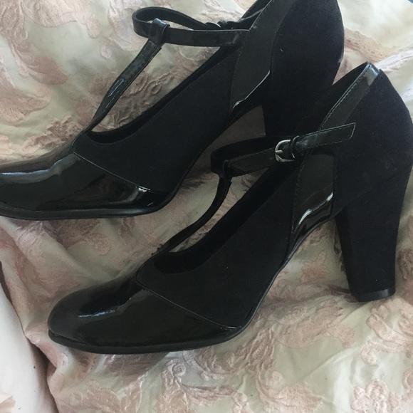 76396ba2c71c AEROSOLES Shoes - Aerosoles T-strap black chunky heels Sz 9.5
