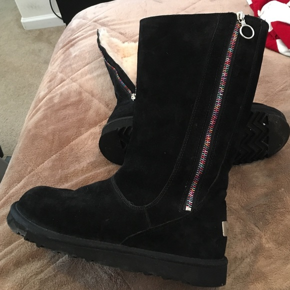 black uggs with zipper