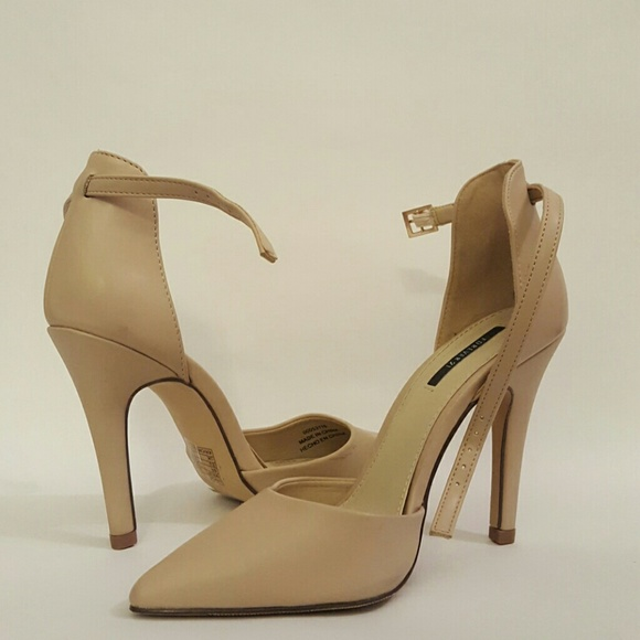 Forever 2 Nude Pointed Toe Pumps