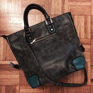 Urban Expressions Handbags - Grey Faux Leather Cross Body Bag