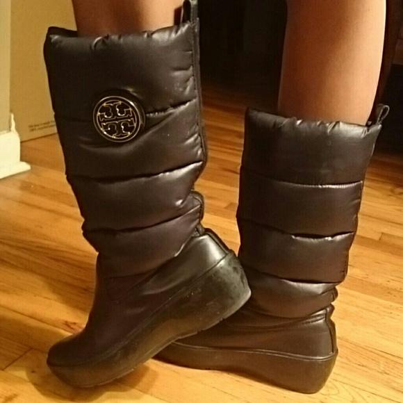 3bf1772334a Tory Burch Puffer Boots. M 57a1643e56b2d6e4e701b4b7