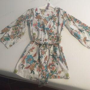 Plum pretty sugar  Other - Kimono style robe