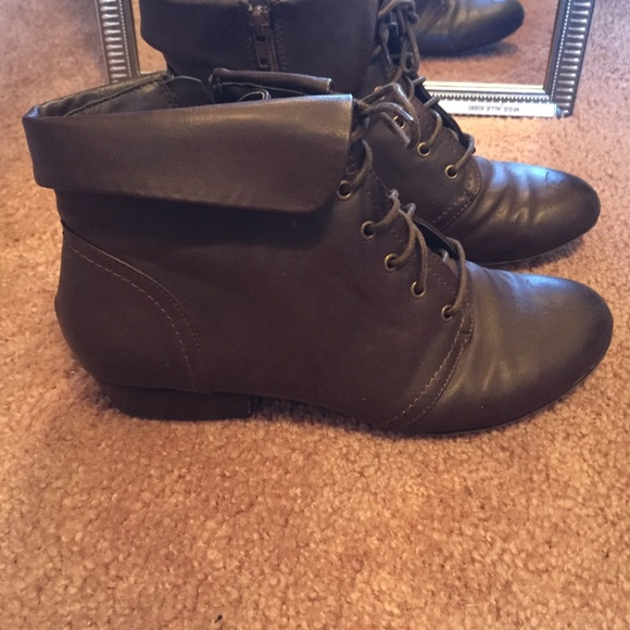 50 yuu shoes brown low cut boots from s