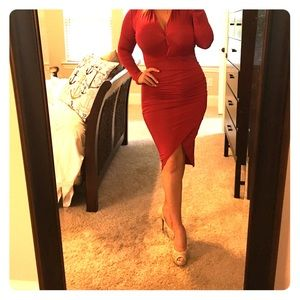 Babe & Tess Dresses & Skirts - Red dress