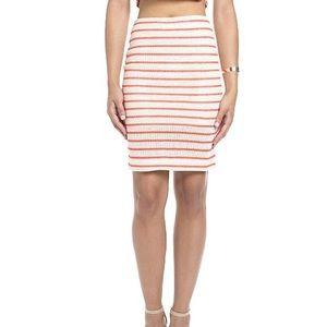 bodycon skirt with slight slit back in NAVY