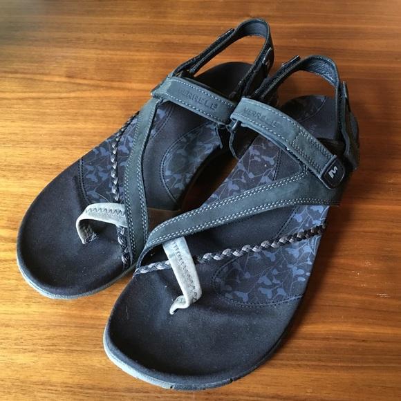 b5cf8275159d Merrell women s Siena sandals Black size 8. M 57a22d35f739bc6ac9007515