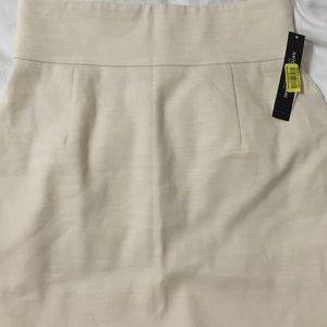 NWT-Antonio Melani cream colored pencil skirt
