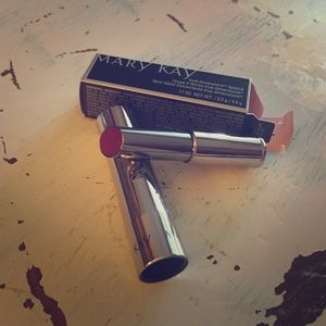 Mary Kay Sizzling Red Lipstick