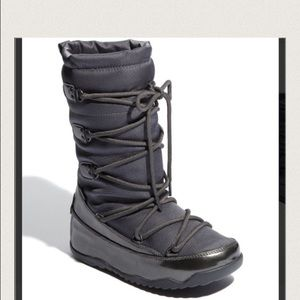 AUTH FITFLOP SUPERBLIZZ LACE UP MUKLUK BOOTS BLK 9