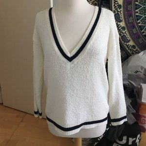 Forever 21 Sweaters - Large slouchy v neck cardigan