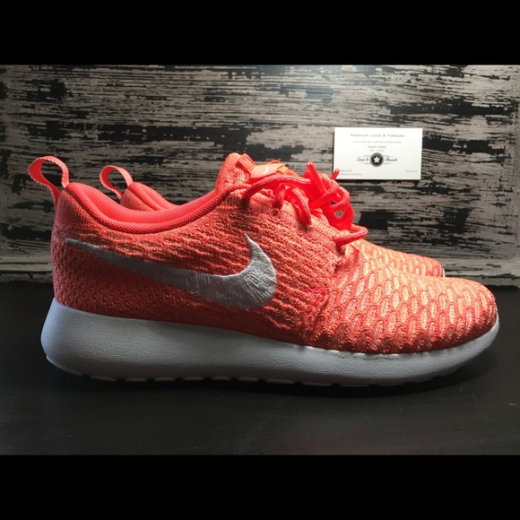 premium selection 97509 ecaf8 Women s Nike Roshe Run Flyknit (704927-800)