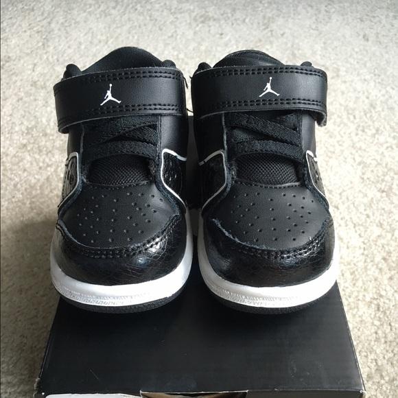 2f58644556d9f0 Nike Jordan 1 Flight 2 Low BT Baby Boy Sneaker. M 57a25446bcd4a77bab001113