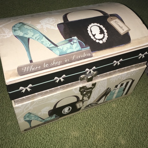 Makeup/storage Box