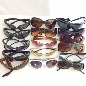 Accessories - Sunglasses / Lot of 16 Pair