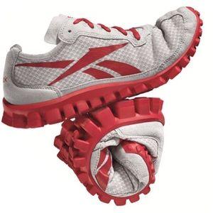 Reebok Shoes - NEW Reebok RealFlex original running sneakers 5d65dbf1c