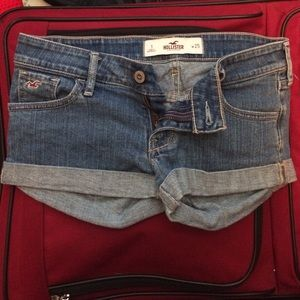 hollister jean shorts size 1