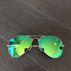 Auth Ray ban green mirrored flash lens sunglasses