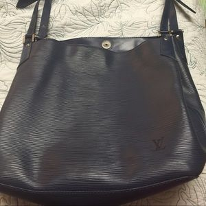 Vintage Authentic Louis Vuitton Epi Large handbag