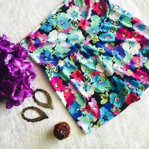 🎈4 for $20 🎈 Colorful print shorts