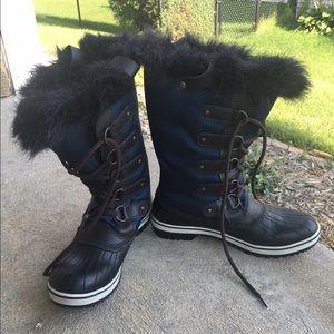 20 Off Sorel Shoes Black Sorel Boots🌨 From L S Closet