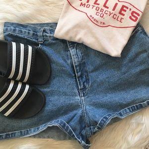 :: SALE vintage 90s denim shorts ::