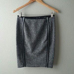 H&M Dresses & Skirts - Stretch skirt